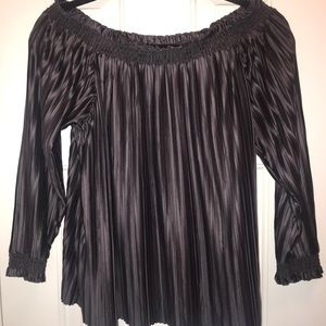 Banana Republic off the shoulder top. Worn once!